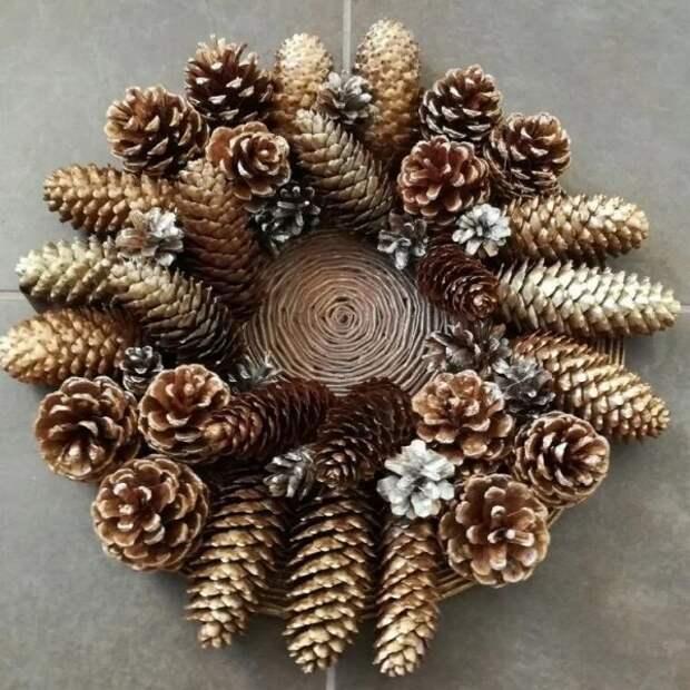 Крутые идеи новогоднего декора изшишек иветок