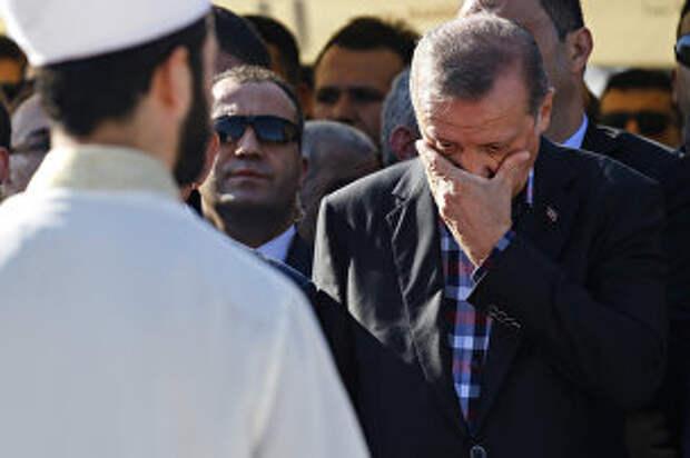 Реджеп Тайип Эрдоган, вечная жертва