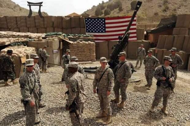 Американские военные сбежали от российского военного патруля в Сирии