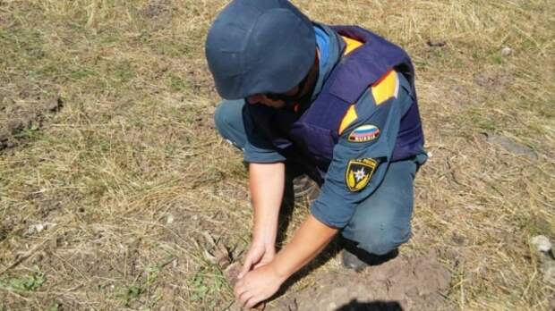 В Крыму уничтожили три боеприпаса времён войны