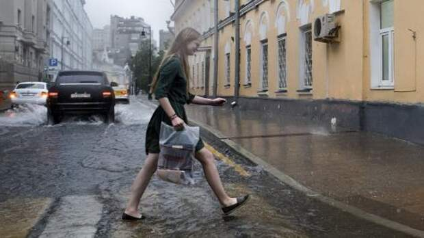 Россиянам выдали рекомендации, как вести себя при смерче