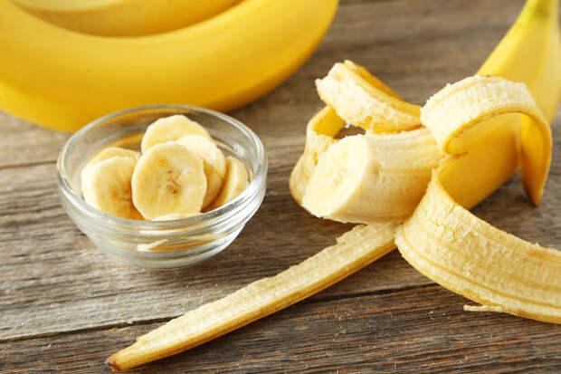 Банан в свежем или протертом виде даже можно есть для профилактики изжоги