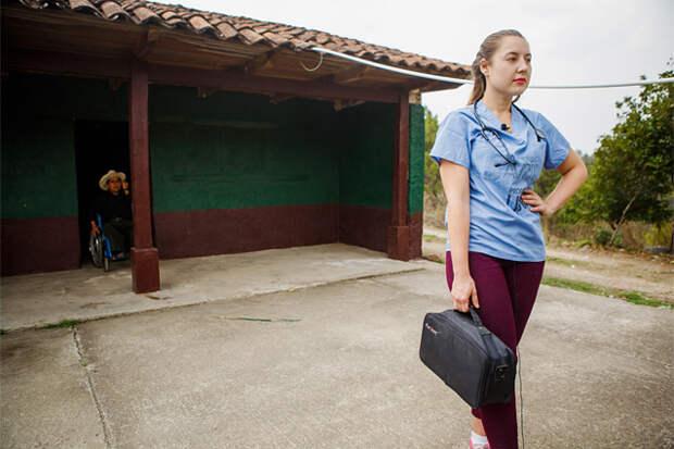 Девушка, обожающая тропические инфекции