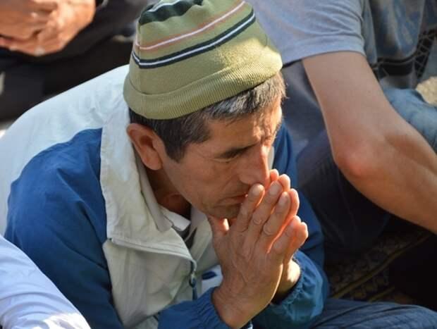 На молитву в Аль-Акса на Храмовой горе пришли около 100тыс. палестинцев