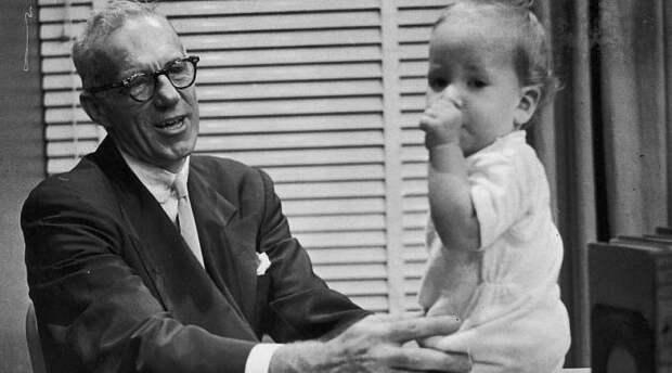 Что известно о докторе Споке, по которому нас всех воспитывали?