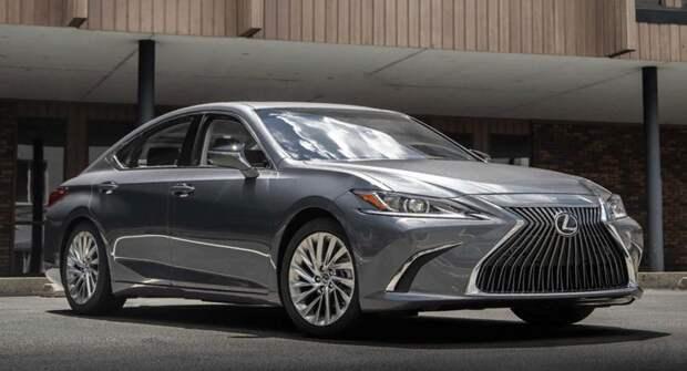 Компания Lexus запустила российские продажи первого «подключенного» автомобиля