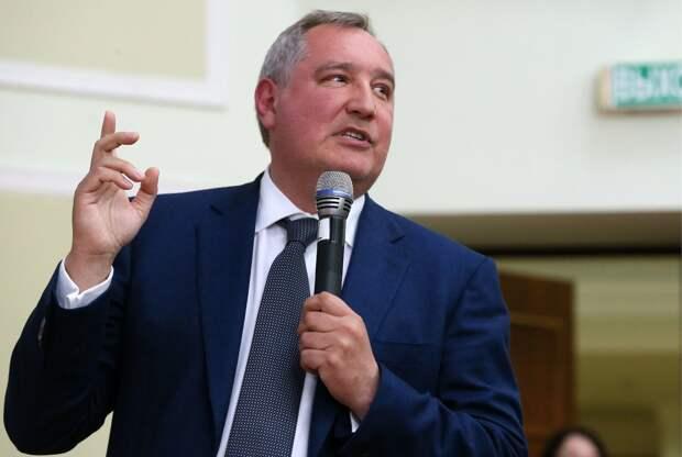 """Рогозин назвал заявление Пенса """"нервным космическим срывом"""""""