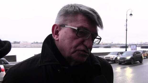 """Режиссер """"Русского ковчега"""" предложил отменить в России прокатные удостоверения"""
