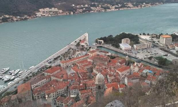 Город Котор с 1420 года добровольно принял протекторат Венеции