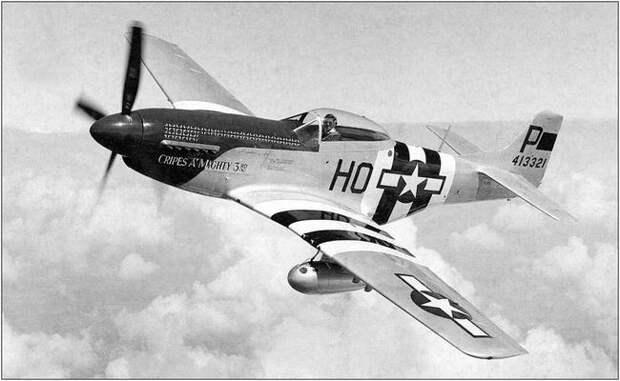 Истребитель P-51 «Мустанг».