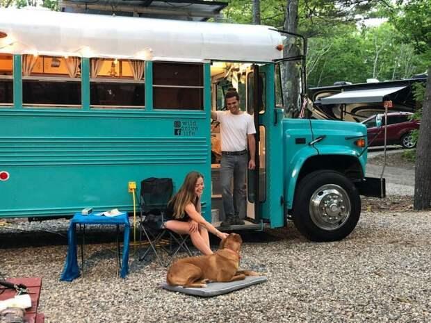 Пара переоборудовала старый тюремный автобус в комфортабельный дом на колесах