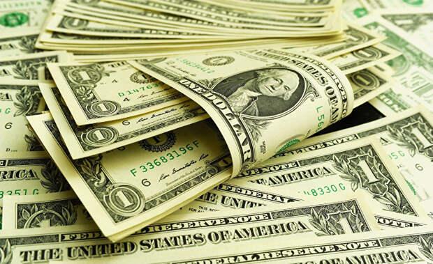 Россиянам раскрыли информацию о том, когда выгоднее всего покупать доллары и евро