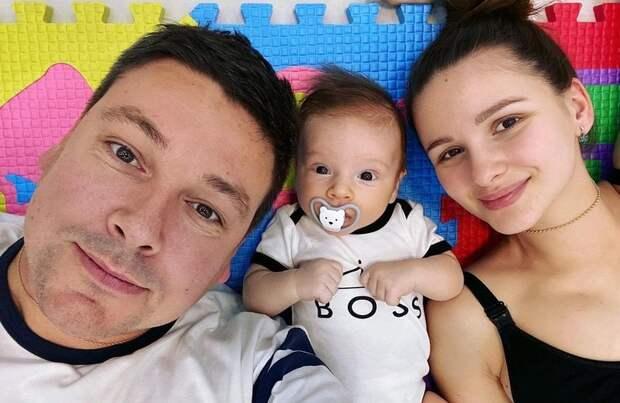 Андрей Чуев заподозрил жену в проведении ЭКО и измене с лучшим другом