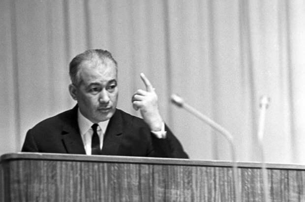Борьба Андропова с коррупцией: что стало «хозяином» Узбекистана Шарафом Рашидовым
