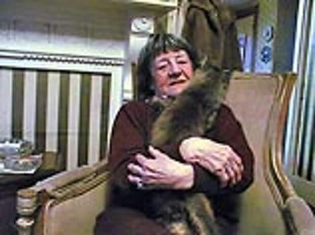 """Бетти Хилл, самая знаменитая """"похищенная инопланетянами"""" женщина, умерла у себя дома от продолжительного рака легких в последней стадии в возрасте 85 лет"""