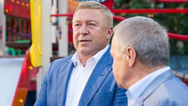 Калининградский депутат Ярошук поздравил россиян с Днем Победы