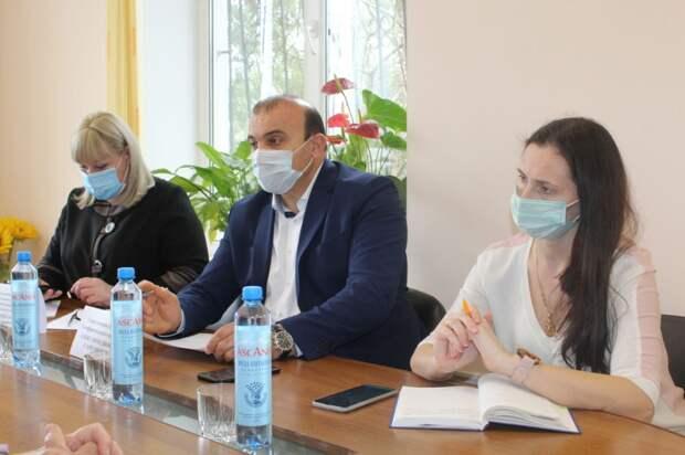 Дионис Алексанов провёл выездной приём граждан для жителей Мирновского сельского поселения