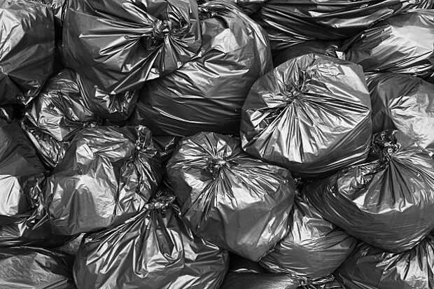 В доме на Псковской отремонтировали мусоропровод