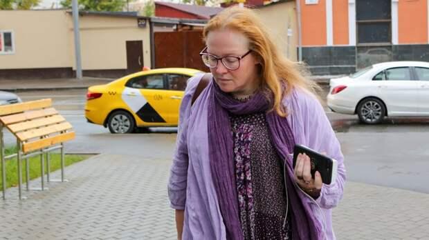 Думает, что заплатят, если покается? В Сети высмеяли признание актрисы Ауг, рассказавшей об аннексии Эстонии