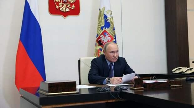 Американские компании хотят работать в России. но их за уши вытягивают с рынка, заявил Путин