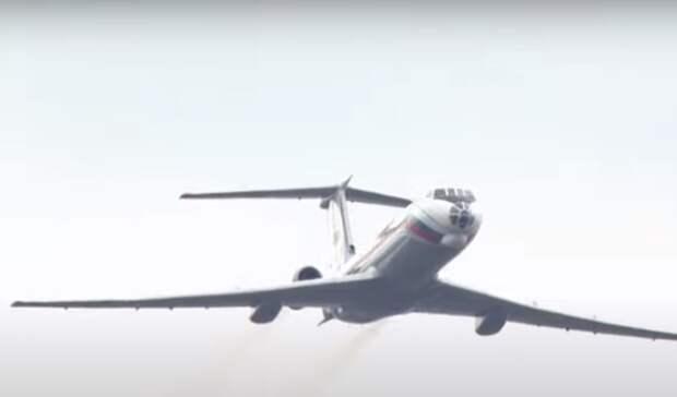 Секретный самолет командующего ЮВО показали на параде Победы в Ростове