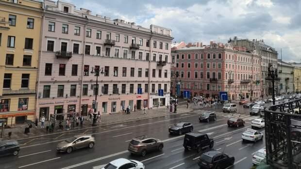 Движение на проспекте Энгельса в Петербурге закроют в одну сторону до середины июля