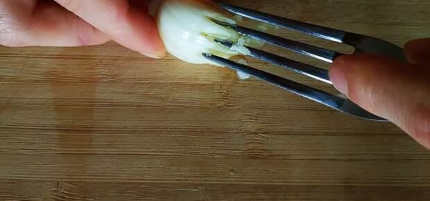 Нашла способ измельчать чеснок за 10 секунд! Покажу, как сделать это без ножа, терки и пресса для чеснока