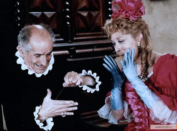 Какой была в юности «экранная жена» Луи де Фюнеса, и как красиво состарилась элегантная актриса