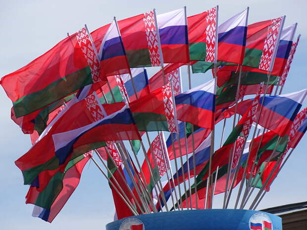 Эксперты оценили перспективы Союзного государства России и Белоруссии