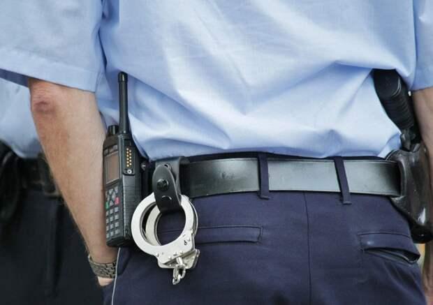 Ограбившего магазин на Будайском приезжего задержали полицейские