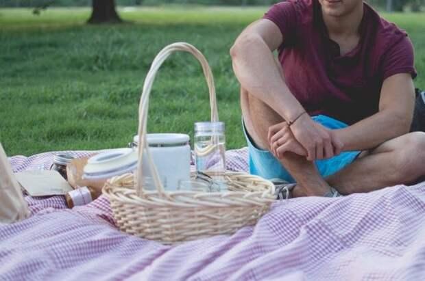Врач рассказал об опасности весенних пикников