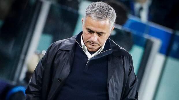 «Тоттенхэм» официально подтвердил увольнение Моуринью и его тренерского штаба