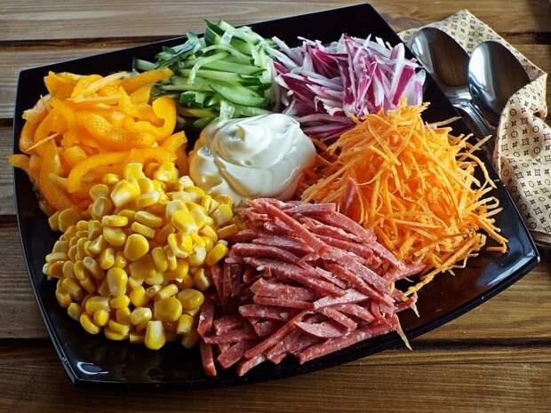 Салат Огород. Это блюдо такое яркое, словно радуга у вас в тарелке 2