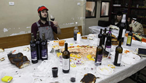 Празднование Пурима в городе Бней-Брак, Израиль