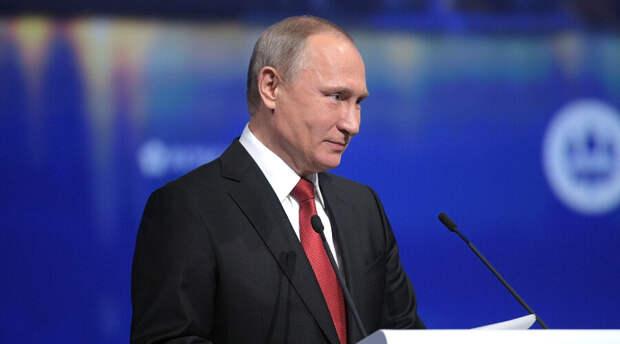 Владимир Путин с юмором прокомментировал выходку британского эсминца у крымского мыса