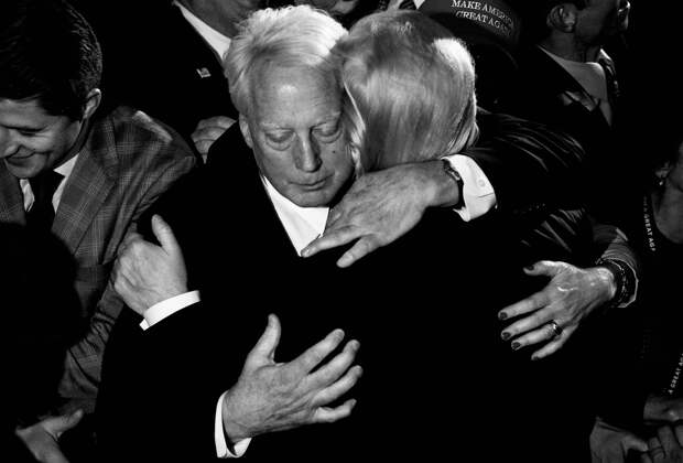 У президента США умер младший брат