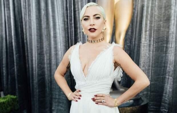 В 15 лет Леди Гага боролась с анорексией и булимией