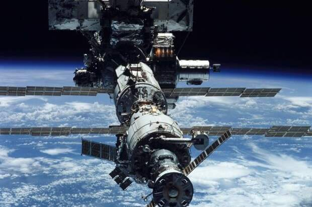 На МКС изолировали модуль «Звезда» из-за утечки воздуха