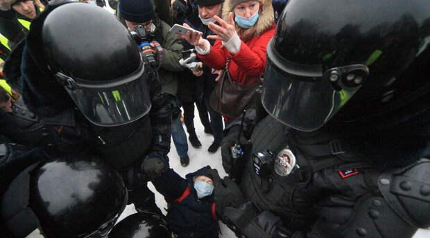 Перед посланием Владимира Путина в центры крупных городов стянули Росгвардию и полицию