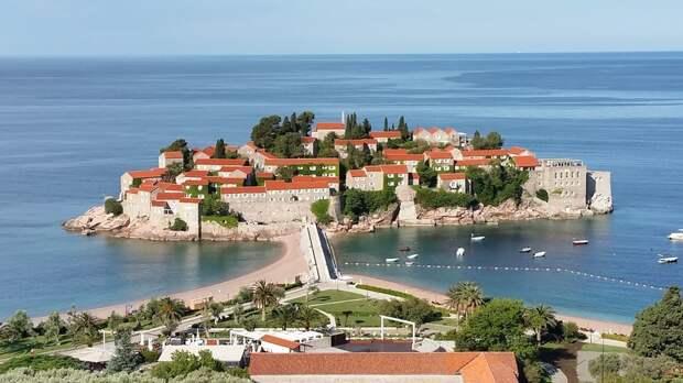 Черногория планирует открыть границы для всех туристов