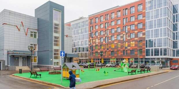 Менеджер из Ховрина навещает детей в Морозовской больнице