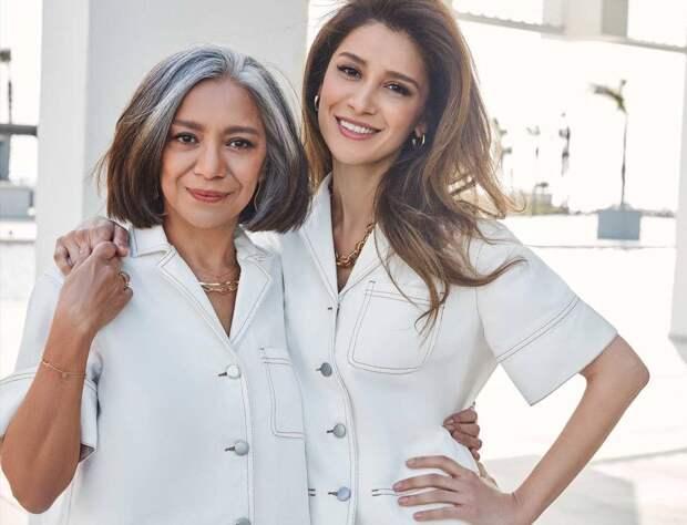 Ошеломительно красивы и очень похожи: Равшана Куркова показала фото с мамой