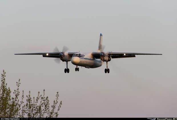 Над российской авиабазой в Сирии обнаружен редкий и странный военный самолет