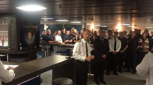 Новый «военный Титаник» Великобритании вынужден был вернуться в порт