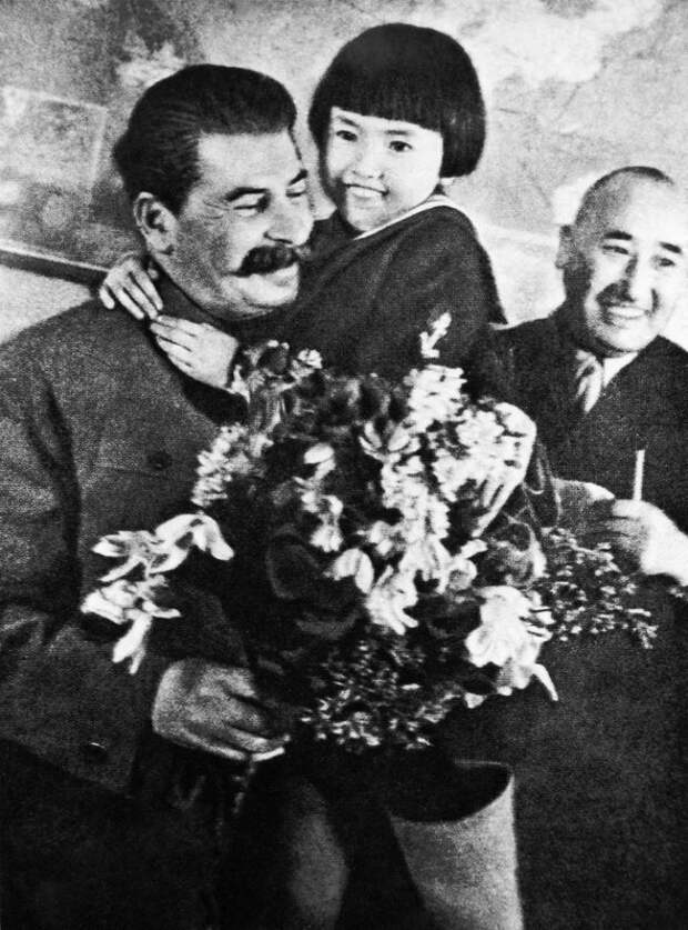 Иосиф Сталин и Энгельсина. 27 января 1936 года. Фото Михаила Калашникова