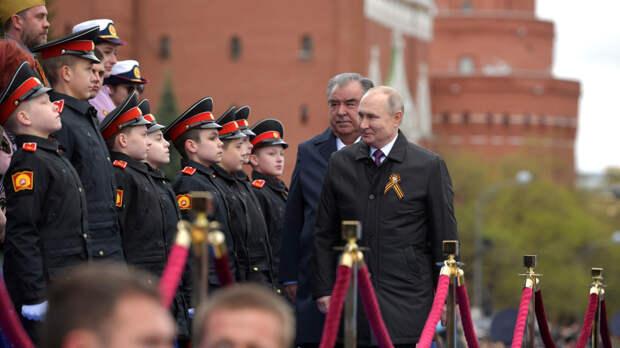 Путин оценил парад Победы на Красной площади на отлично