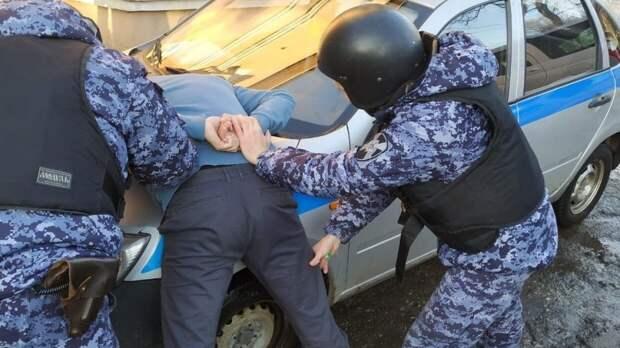 Бывший работник больницы в Великих Луках угрожал ножом дежурному врачу