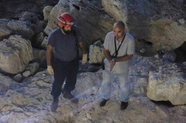 Священник и его внук упали с обрыва в Севастополе