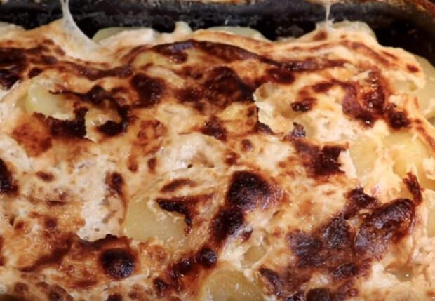 Заливаем картошку молоком и ставим в духовку
