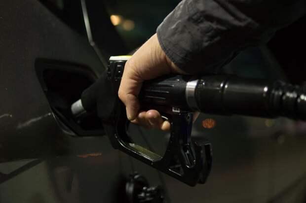 Россия заняла второе место по стоимости бензина Аи-95 в Европе